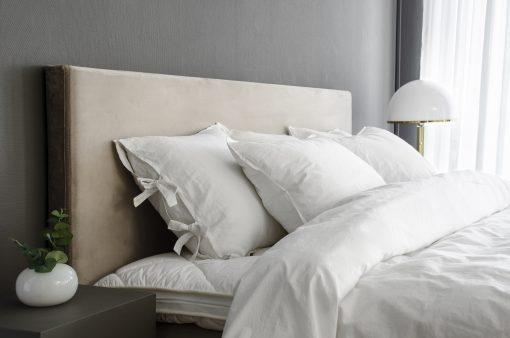 Sänggavel Sqaure i beige sammet, Lectus
