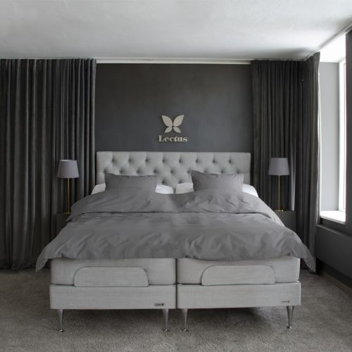 Ställbar säng LECTUS STAR™ ljusgrå