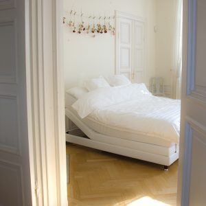 Lectus Star ställbar säng
